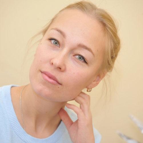 Анастасия Эманова - Кугарня газет